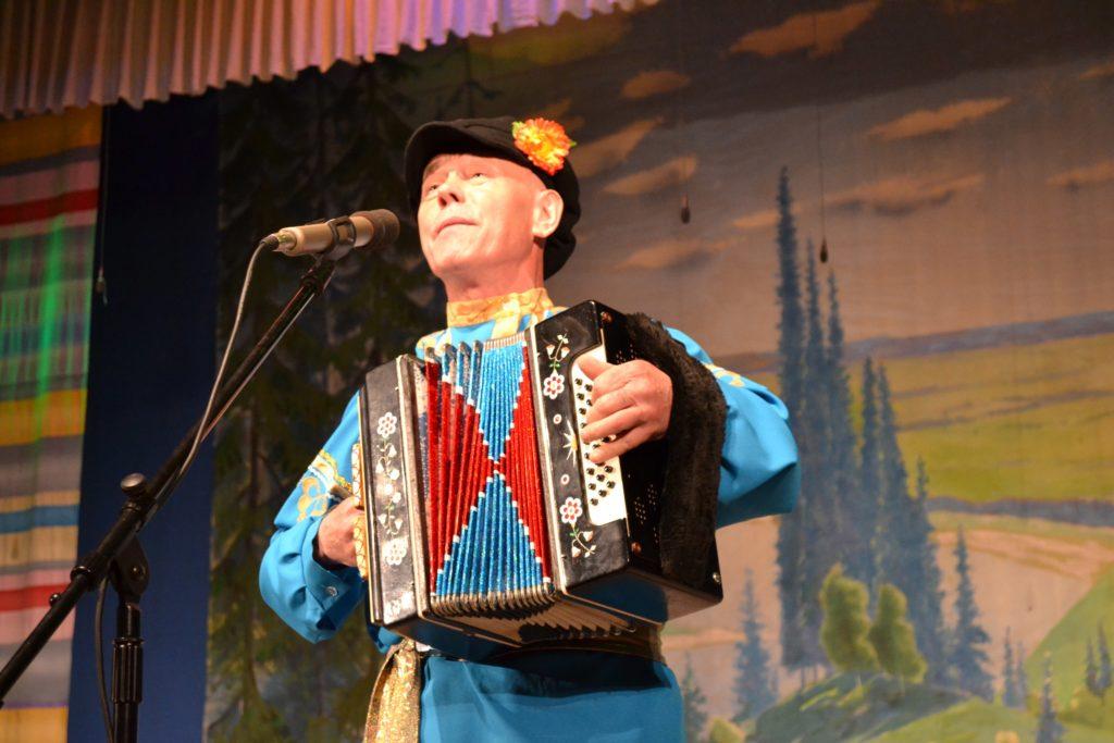 В сыктывдине состоялся первый фестиваль-конкурс гармонистов играй гармонь